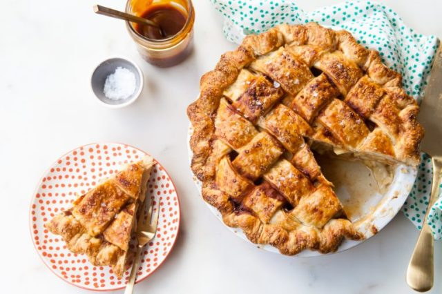 salted-caramel-apple-pie